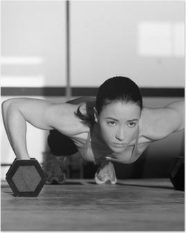 Poster Gym vrouw push-up sterkte pushup met halter
