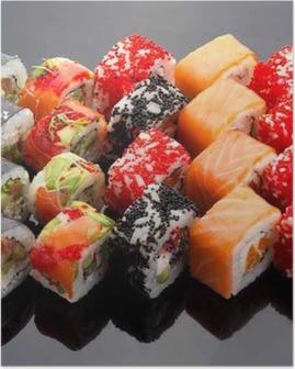 Poster Japanse keuken. Sushi set op een zwarte achtergrond.