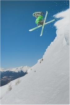Poster Jumping skiër in de bergen