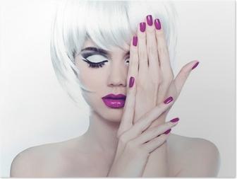 Póster Maquillaje y pinta uñas bien cuidados. Estilo Moda Belleza Mujer Po