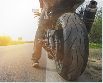 Poster Moto sur le côté de la rue,