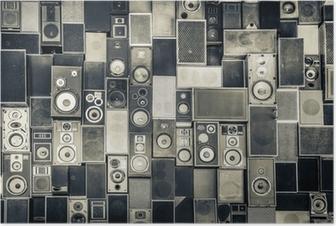 Poster Musik högtalare på väggen i svartvitt vintagestil