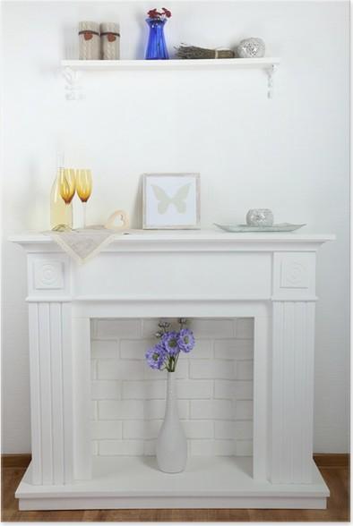 Poster Open haard met mooie decoraties in comfortabele woonkamer ...