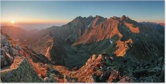 Póster Panorama del paisaje de la montaña del otoño