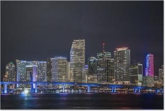 Panorámica del centro financiero de Miami en la noche Poster