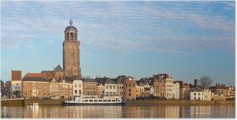 Poster Panoramisch uitzicht op de middeleeuwse Nederlandse stad Deventer