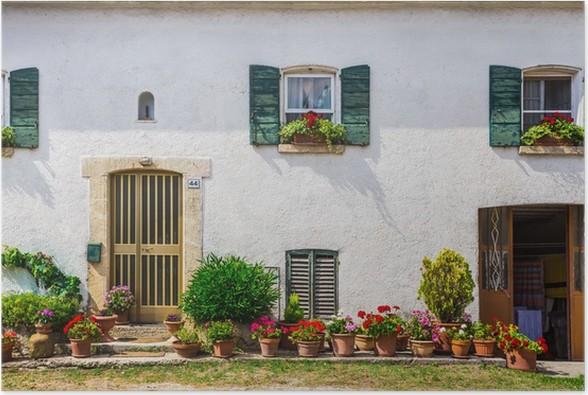 Poster ramen en deuren in een oud huis versierd met bloemen u2022 pixers
