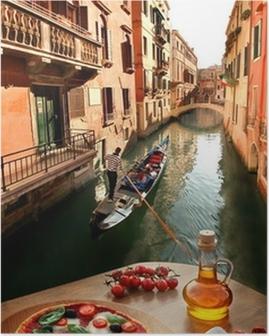 Poster Venise avec la pizza italienne contre canal en Italie