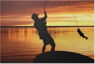 Poster Visser met een vis vangen op zonsopgang achtergrond