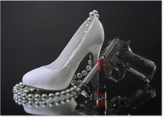 Weißer High Heel mit Lippenstift und Waffe Sex and Crime Poster
