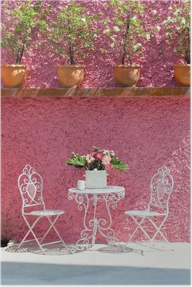 Poster Woonkamer, wit stoel en roze muur • Pixers® - We leven om te ...