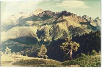 Print op glas Vintage landschap met bomen en bergen