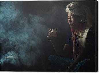 Quadro su Tela Donne tribali sono odore profumi caffè aromatici. Lei si piantò