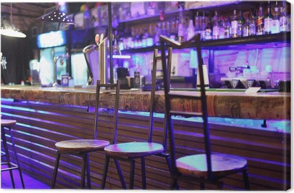 Quadro su tela metallo insolito sgabelli da bar stand vicino bancone