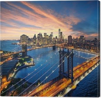 Quadro em Tela New York City - sunset over manhattan and brooklyn bridge