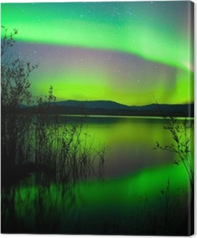 Quadros em tela premium Northern lights mirrored on lake