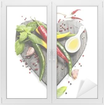 Raamsticker Verse groenten op hartvormige snijplank