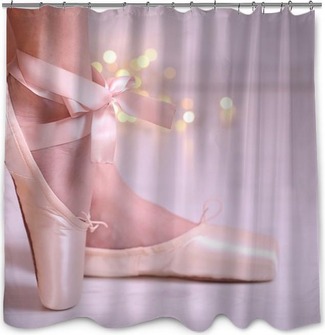 Rideau de douche Ballerine dans des chaussures de pointe dans la ...