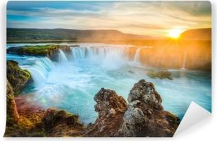 Samolepicí Fototapeta Island, Godafoss při západu slunce, krásný vodopád, dlouhé expozice