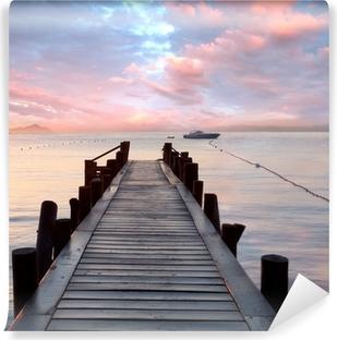 Selbstklebende Fototapete Alter Holzsteg am Mittelmeer