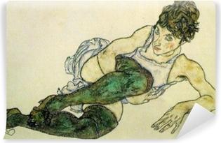 Selbstklebende Fototapete Egon Schiele - Frau mit grünen Strümpfen