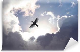 Selbstklebende Fototapete Engels-Vogel im Himmel