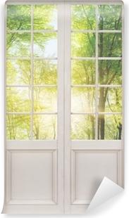 Selbstklebende Fototapete Weißer Tür - Wald