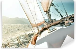Selbstklebende Fototapete Yacht Segeln