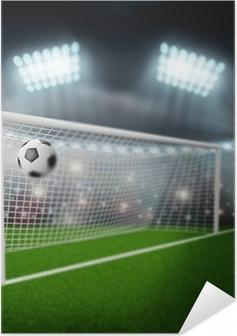 Selbstklebendes Poster Fußball Ball fliegt ins Tor