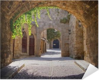 Selbstklebendes Poster Medieval gewölbte Straße in der Altstadt von Rhodos, Griechenland