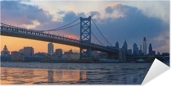 Selbstklebendes Poster Panorama der Skyline von Philadelphia und Ben Franklin Bridge und Penn