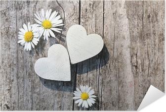 Selbstklebendes Poster Zwei weiße Herzen & Gänseblümchen