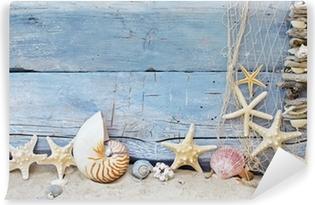 Maritimer Hintergrund: Strandgut, Muscheln und Seesterne Self-Adhesive Wall Mural