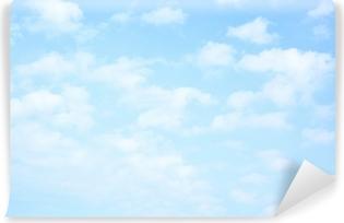 Självhäftande Fototapet Ljusblå himmel med moln
