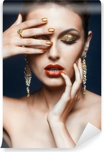 Självhäftande Fototapet Skinande ansikte makeup