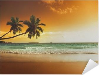 Självhäftande Poster Solnedgång på stranden i Karibiska havet