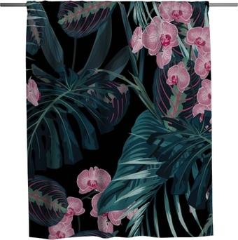 Sprchový závěs Bezešvé vzor, tmavě zelené barvy palmové listy a tropické růžové orchideje květiny na černém pozadí. prastarý styl.