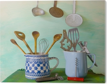 Stampe Da Cucina : Quadro su tela vari utensili da cucina depoca contro il muro blu
