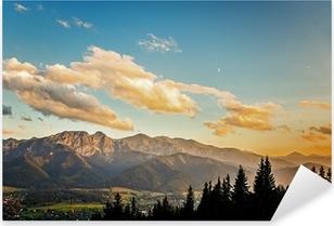 Pixerstick Sticker Bekijk op panorama van Tatra bij zonsondergang, Polen.