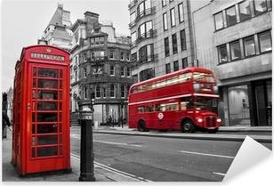 Sticker Pixerstick Cabine téléphonique et bus rouges à Londres (Royaume-Uni)