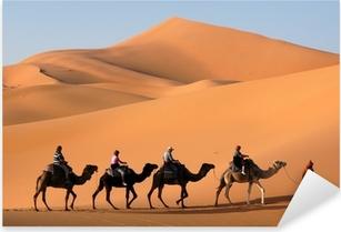 Pixerstick Sticker Camel Caravan in de Sahara woestijn