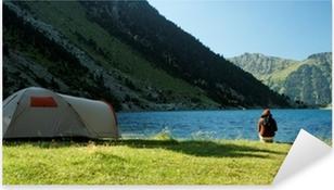 Camping sauvage au lac de gaube dans les pyrénées Pixerstick Sticker