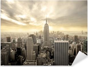 Sticker Pixerstick Ciel nuageux sur Manhattan