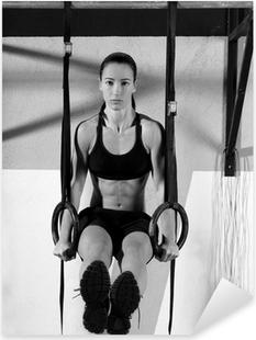 Pixerstick Sticker Crossfit dip ring vrouw workout bij gymnastiek dompelen