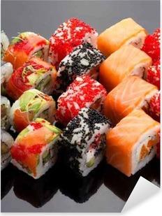 Sticker Pixerstick Cuisine japonaise. Sushi set sur fond noir.