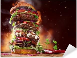 Sticker Pixerstick Délicieuse grand hamburger sur bois