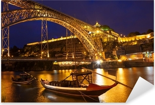 Pixerstick Sticker Een brug in Portugal in de nacht