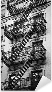 Façade avec escalier de secours noir et blanc - New-York Pixerstick Sticker