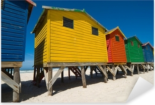 Pixerstick Sticker Gekleurde strandhuisjes in de buurt van Kaapstad - lage hoek