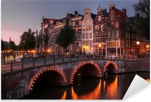 Pixerstick Sticker Het kanaal van Amsterdam bij schemering, Nederland